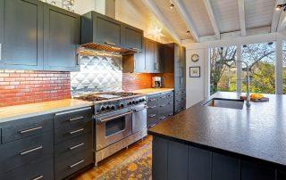 Luxury,Beautiful,Dark,Modern,Kitchen,With,Vaulted,Wood,Ceiling,,Hardwood