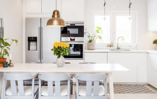 White Kitchen (Bright And Airy Kitchen Design Ideas)